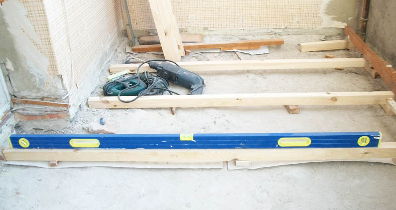 Ровный пол на балконе.