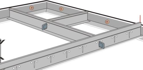 установка поперечных профилей подвесного потолка Армстронг